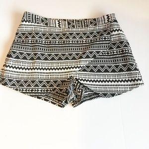 Decree Tribal Print Skort, Skirt Size 11